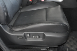 Nissan_Fuga_350GT_seat3