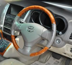 Toyota_Harrier_steering_shifnob_060420141