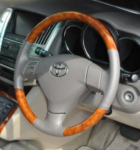 Toyota_Harrier_steering_shifnob_060420142
