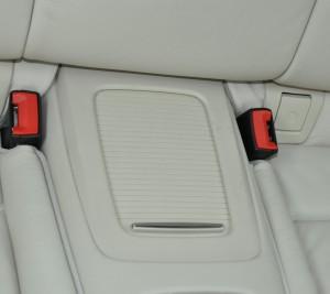 BMW_335i_seat_rearconsolebox_070320143