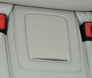 BMW_335i_seat_rearconsolebox_070320144