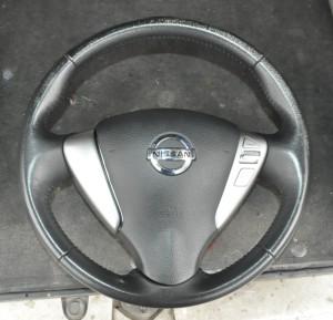 Nissan_Serena_steering_070420141