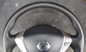 Nissan_Serena_steering_070420146