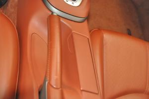 Porsche_911Carrera_seat_interior_063020149