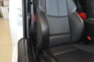 BMW_M3_seat_doornob2