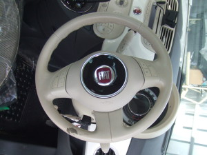 Fiat_500_steering_seat_081820141
