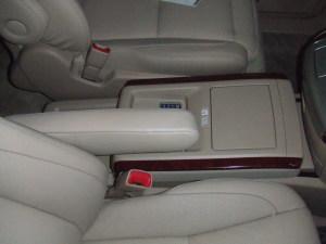 Toyota_alphard_seat_0801201410