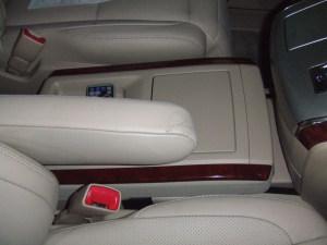 Toyota_alphard_seat_080120143