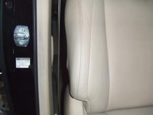 Toyota_alphard_seat_080120147