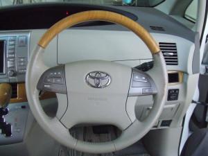 Toyota_Estima_steering_090220141
