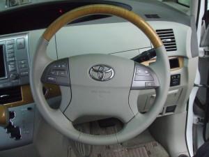 Toyota_Estima_steering_090220142