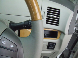 Toyota_Estima_steering_090220144