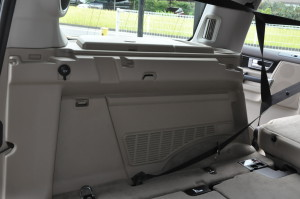 LandRover_discovery_luggagespacetrim_100720148