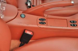 Porsche_911turbo_seat_inpane_102620149