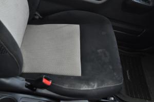 Suzuki_Jimny_seat_101120143