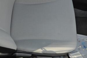 Toyota_Vitz_seat_101820142