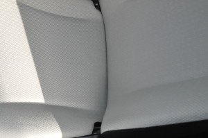 Toyota_Vitz_seat_102620142