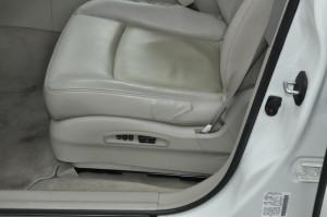 Infinity_FX35_seat_110220141