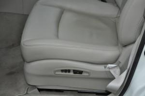 Infinity_FX35_seat_110220142