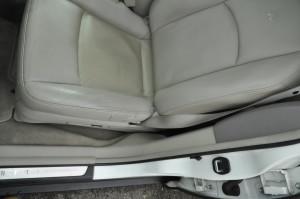 Infinity_FX35_seat_110220143