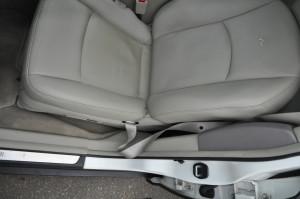 Infinity_FX35_seat_110220144