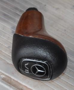 Mercedes_Benz_G500_shiftnob_112020143