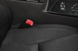 Toyota_Crown_Seat_pillar_120120142