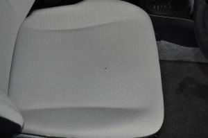 Toyota_Vitz_seat_120120141