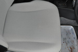 Toyota_Vitz_seat_120120142