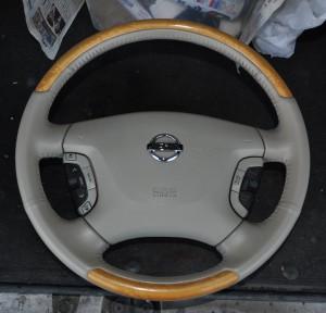 Nissan_Cima_Steering_120220142