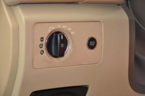 Mercedes_Benz_R500_headlightswitch_020120151