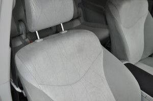 Prius_Alpha_seat_013020152