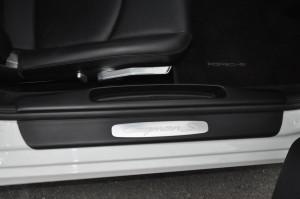 Porsche_Cayman_interior_040220154