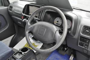 Daihatsu_Scrum_steering_042920151