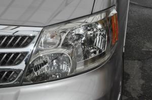 Toyota_Alphard_headlight_051620152