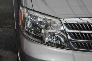 Toyota_Alphard_headlight_051620154