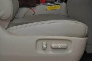 Toyota_Alphard_seat_061420152