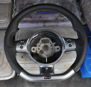 Audi_RS4_steering_063020152