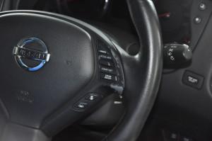 Nissan_SkylineCrossover_steering_070220153