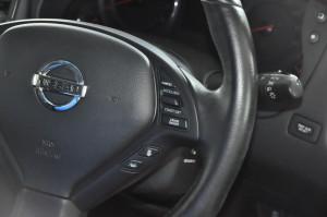 Nissan_SkylineCrossover_steering_070220154
