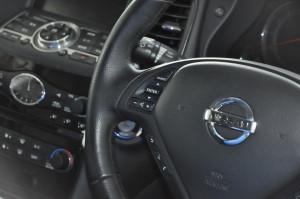 Nissan_SkylineCrossover_steering_070220156