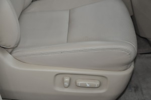 Toyota_Alphard_seat_070420152