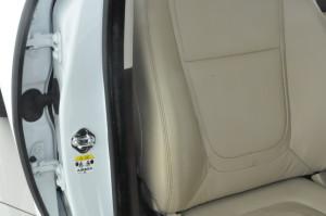 Jaguar_XF_seat_073020152