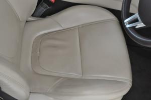 Jaguar_XF_seat_073020155