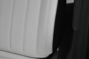Mercedes-Benz_CLS350_seat_080720154