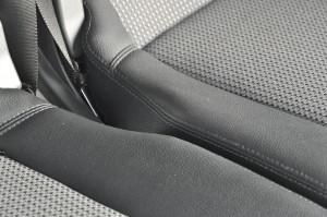 Mercedes_Benz_V350_seat_072920152