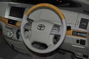 Toyota_Estima_steering_shiftnob_092120152