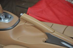 Porsche_911carrera_parking-breake-lever_101020154