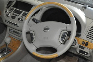Nissan_Cima_steering_shiftnob_111620152