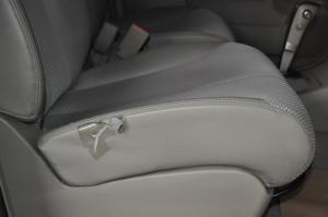 Nissan_Tiida_seat_111220151
